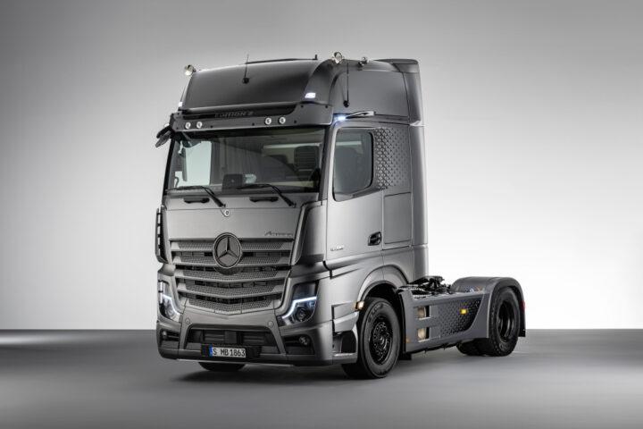 камион Actros