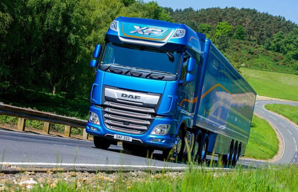 международни камиони