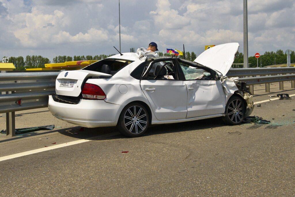 автомобили след катастрофа