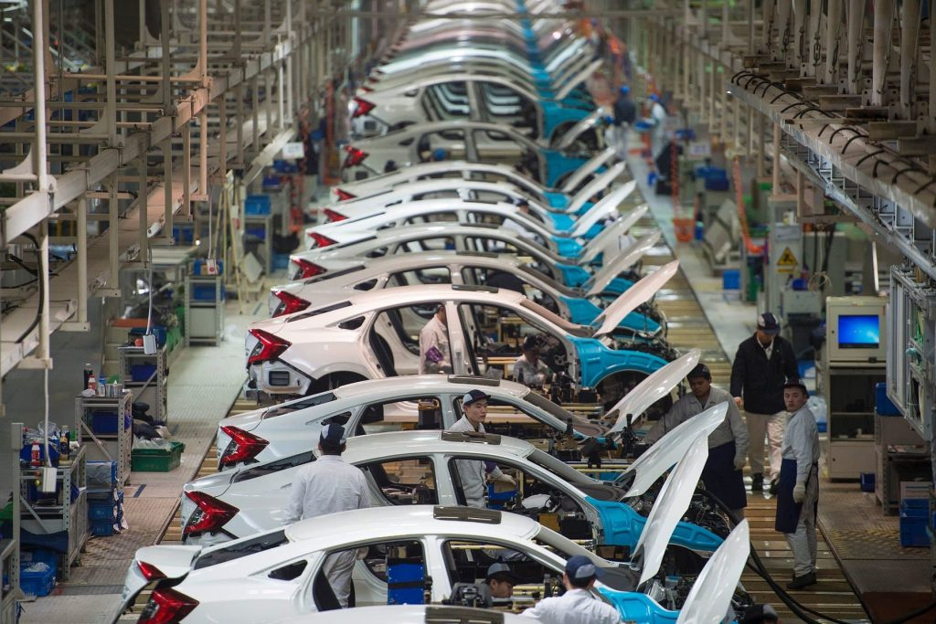 автомобилна индустрия